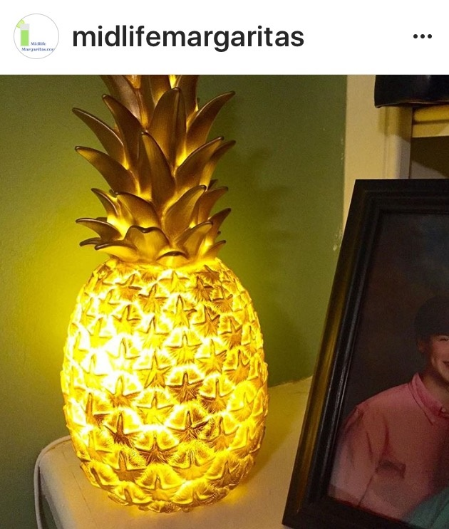 pineapplelamp
